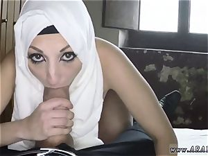 Delivery girl hj I love these sensitive arab femmes.