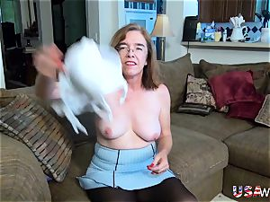 USAwives hairy grannie Pusssy humped With intercourse fucktoy