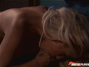 Sideramming juicy vagina on pirate ship - Carmen Luvana