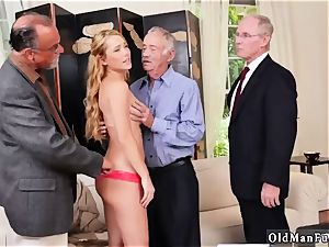 senior nymph donk and mummy pounding Frannkie And The group Tag team A Door To Door Saleswoman