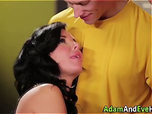 Veronica Avluv double porked in the locker apartment