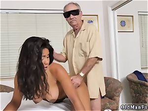 Czech homemade unexperienced anal invasion Glenn finishes the job!