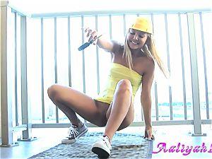 Aaliyah love raise leg and bang self with screwdriver