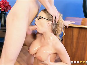 Digging it deep into the bum of Britney Amber