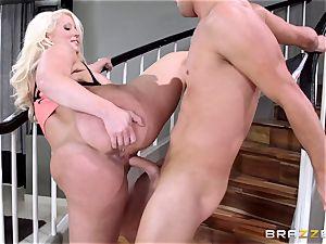 super-steamy mom Alura Jenson humps her lazy stepson