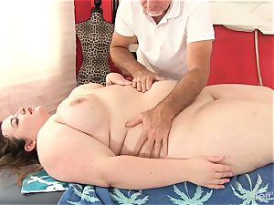 warm fatty Sapphire Rose gets a bang-out rubdown