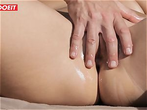 insatiable Housewife Gets screwed by Her rubdown Therapist