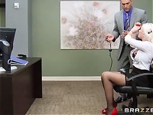 jaw-dropping secretay Gigi Allens is shackled to her desk