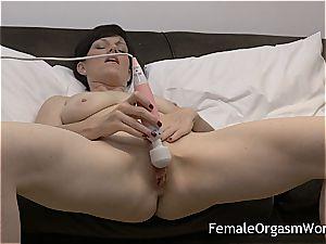 insane milf wanking jummy twat to orgasm