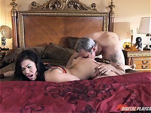 London Keyes porked in her sugary-sweet vag pudding by the anchor fellow