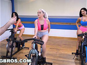 curvy Latina Rose Monroe poked by Brick Danger