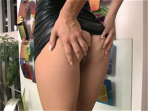 Randy Ryan Ryans can't wait to get busy on her vulva