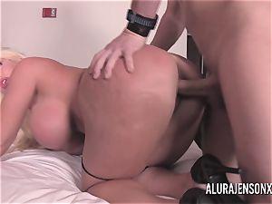 fat boob blondie Alura Jenson banging a jumpy customer