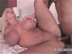 fat boob blondie Alura Jenson banging a jumpy customer