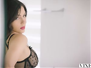 VIXEN red-hot Valentina Nappi entices her married chief