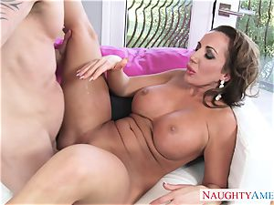 sizzling mature lady Richelle Ryan entices her insatiable stepson