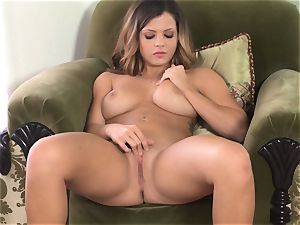 Keisha Grey manipulates her sensitized raw cootchie