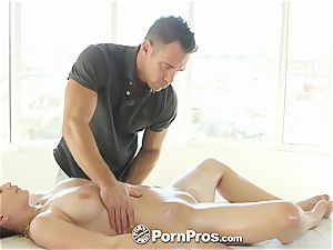 PornPros - Delilah Blue spreads her lengthy gams to bang