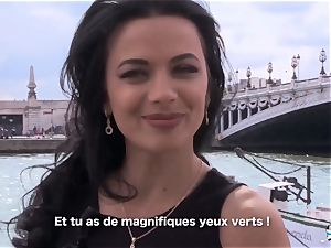 LA COCHONNE Romanian stunner likes deep rapid anal invasion