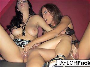 Capri And Taylor sensuous poke