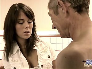 nubile unshaved cooter fucked old dude she massages salami